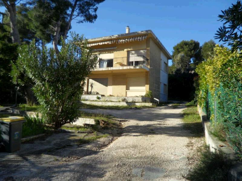 Vente maison vue sur mer c te bleue 13 cabinet canovas for Garage henri marseille