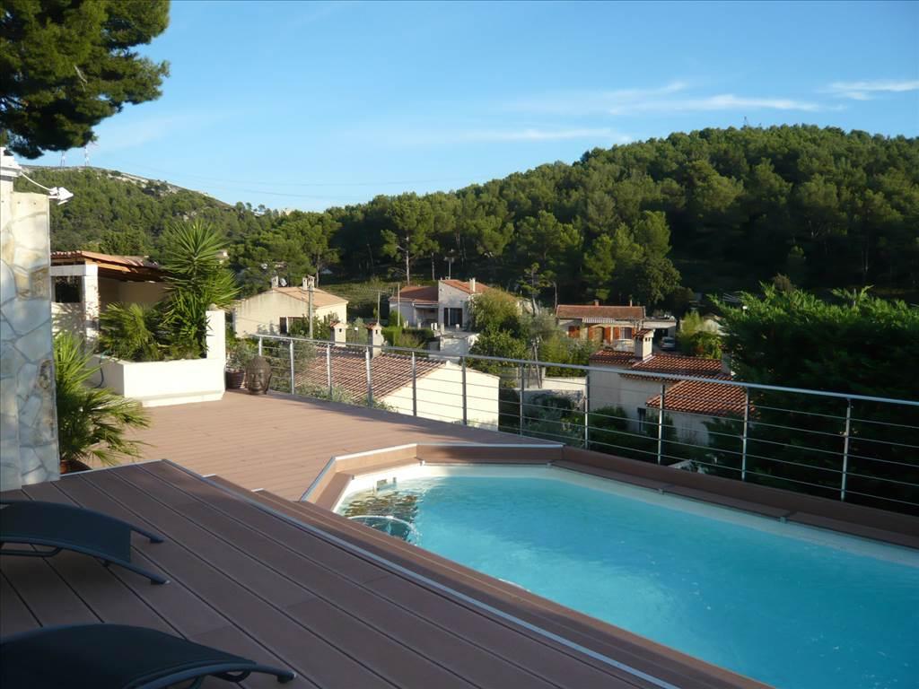 acheter a vendre villa t5 au rove avec piscine magnifique vue colline cabinet canovas. Black Bedroom Furniture Sets. Home Design Ideas