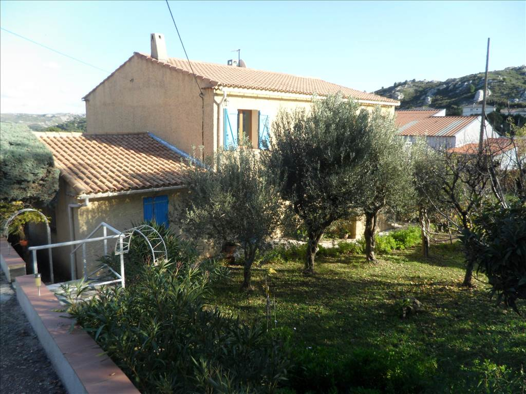 Acheter villa a vendre au rove avec jardin cabinet canovas for Acheter jardin