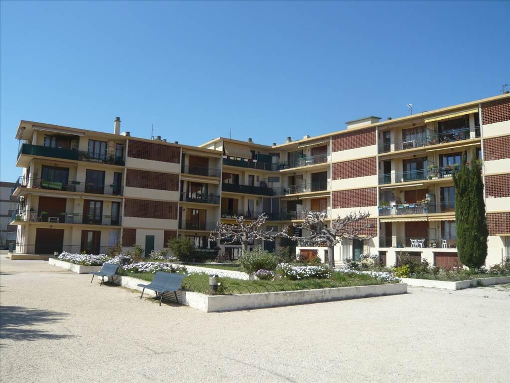 Marseille acheter immeuble t4 f4 13016 marseille l for Appartement marseille