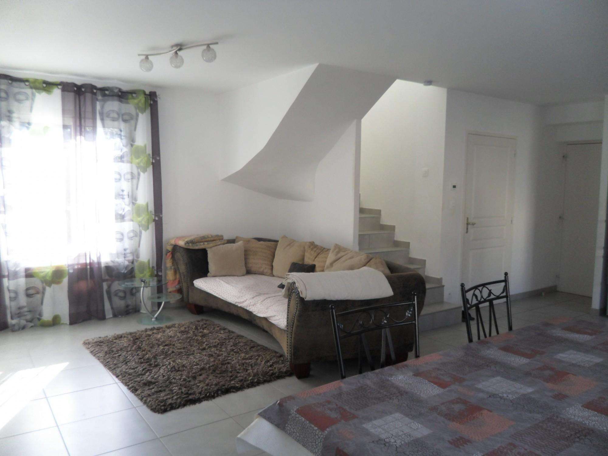 acheter belle maison de type 4 avec terrain cl tur e de 244 m environ 13740 le rove cabinet. Black Bedroom Furniture Sets. Home Design Ideas