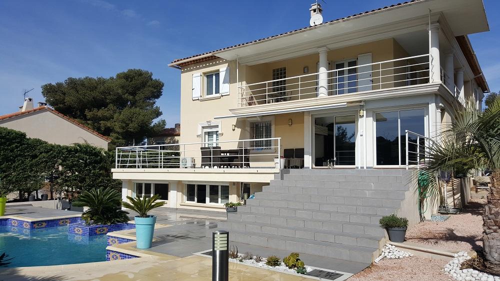 Acheter villa contemporaine t6 avec piscine et jacuzzi t6 for Acheter yourte contemporaine