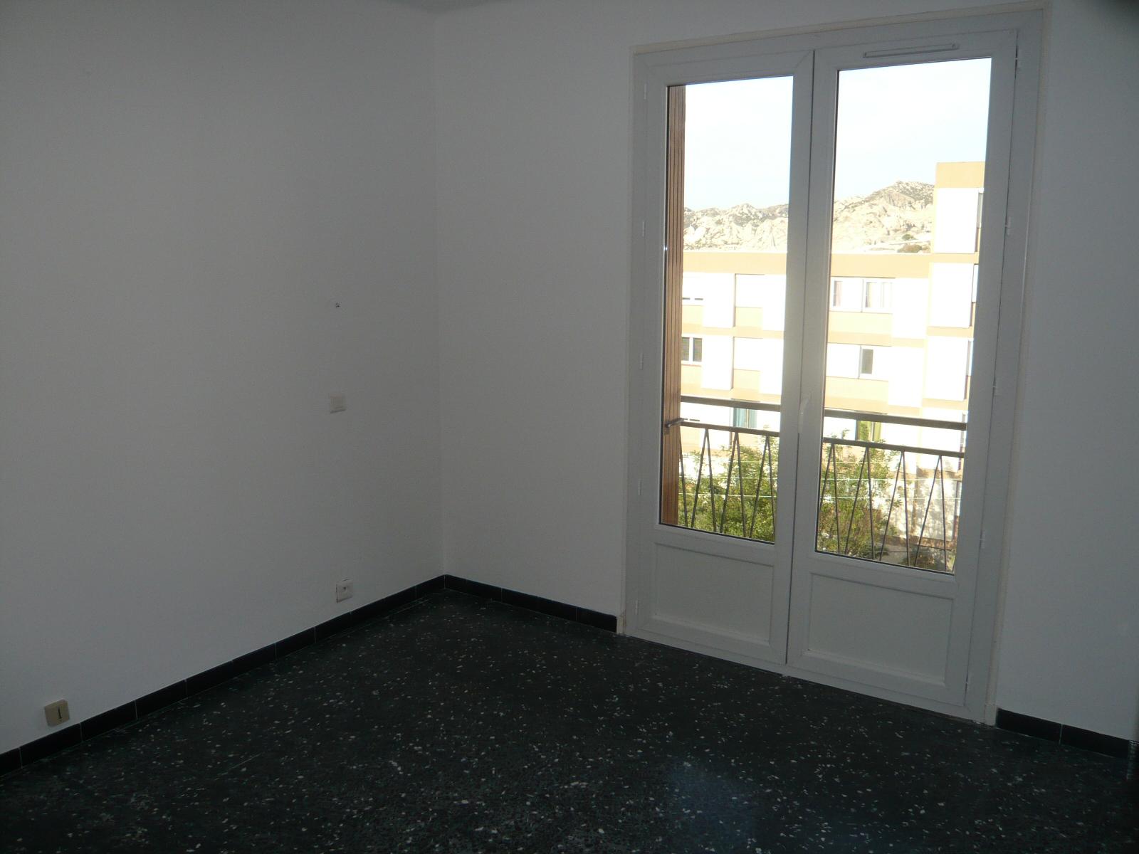 Marseille acheter appartement t4 f4 marseille 13016 l for Appartement a acheter sur marseille