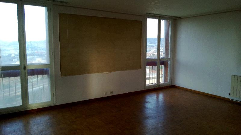acheter appartement a vendre appartement t3 4 marseille 15 eme 2 chambres vue mer panoramique. Black Bedroom Furniture Sets. Home Design Ideas