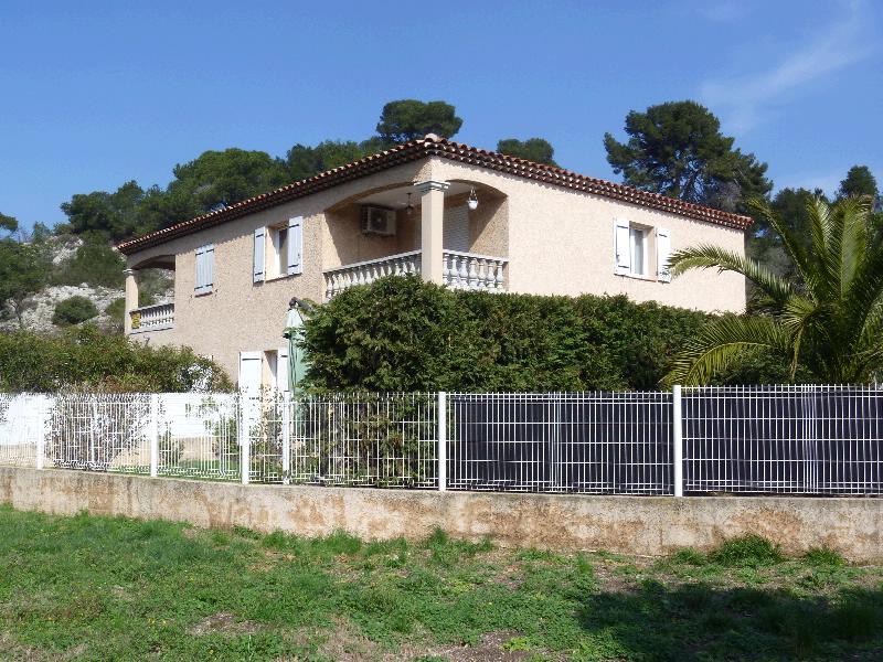 Acheter appartement t3 le rove terrasse garage cabinet for Acheter garage investissement