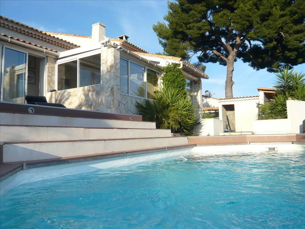 Acheter a vendre villa t5 au rove avec piscine for Vente tuyau piscine