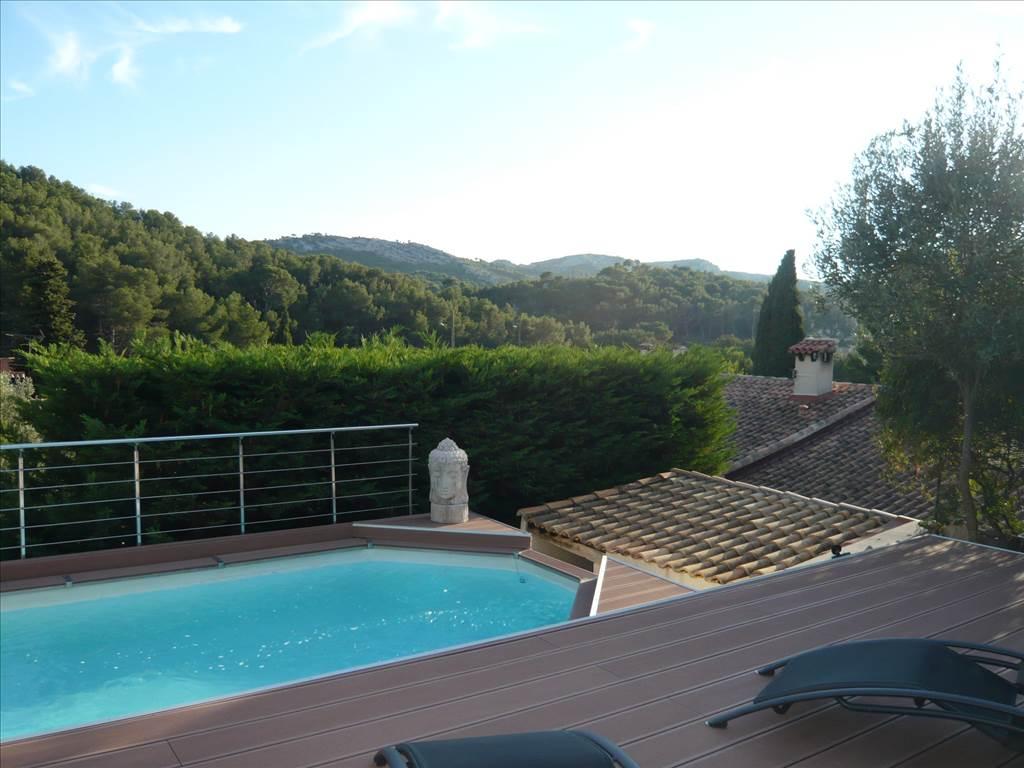 Acheter a vendre villa t5 au rove avec piscine for Acheter piscine
