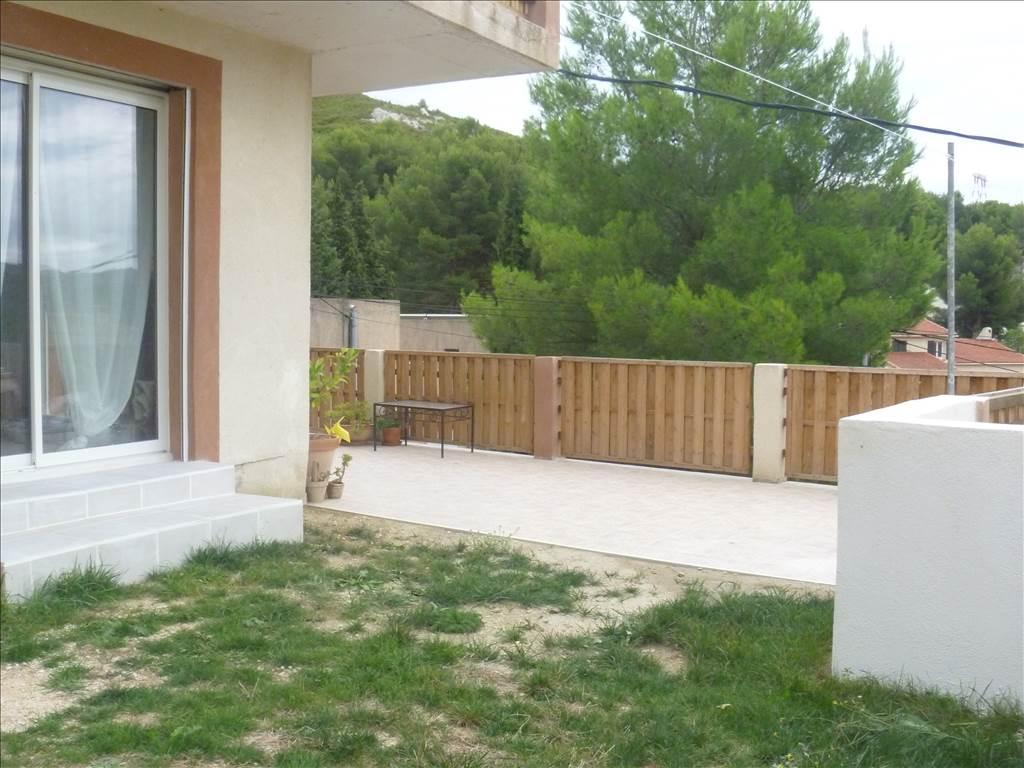 Vente Villa Récente T3 80 m²  très lumineuse Le Rove Calme Jardin Terrasse Garage Vue Collines
