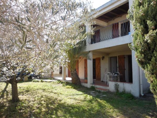 Vente Villa traditionnelle T4 le rove Au fond d'une Impasse, proche commodités, beaux volumes, terrain piscinable, T4, double garage