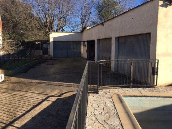 Vente villa T5 Miramas - Miramas Le Vieux Grand atelier, nombreuses dépendances, jardin, piscine