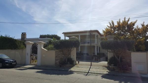 Vente Villa contemporaine T6 avec piscine et jacuzzi T6 13620
