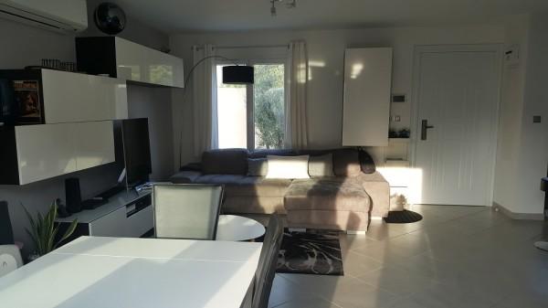 Vente maison récente prestations contemporaines T4 LE ROVE