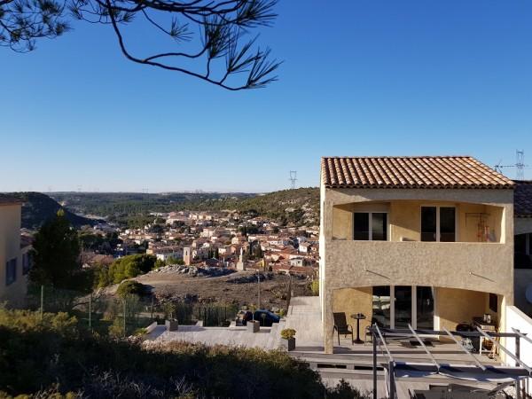 Vente maison t4 avec vue dégagée et terrasses T4 13820