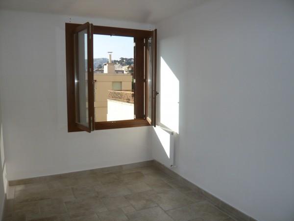 Bel appartement de type 3 avec prestations de qualité, stationnement privatif et cave