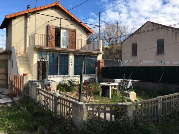 Belle maison de type 2/3 avec jardin et dépendance Saint-André 13016