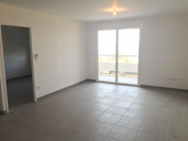 Marseille louer appartement t2 f2 estaque hauteur for Acheter t2 marseille
